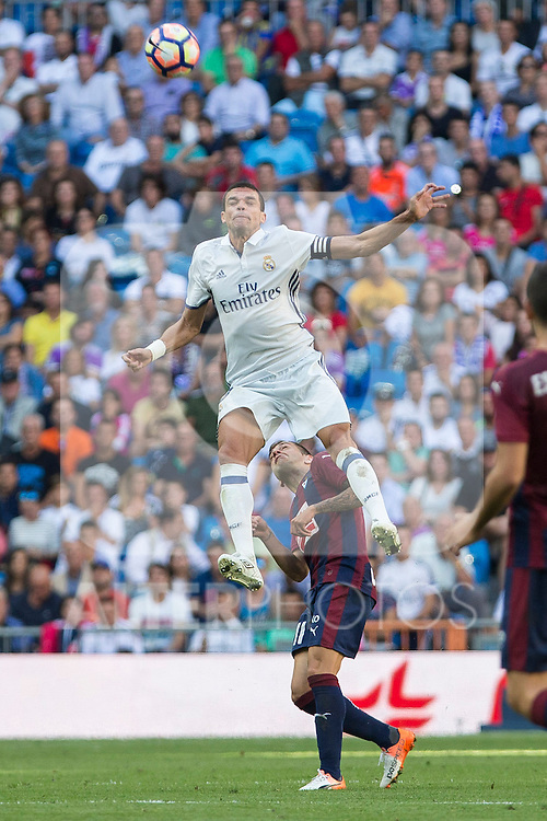 Real Madrid's Kleper Lima Ferreira Pepe and Eibar's Ruben Pena during the match of La Liga between Real Madrid and SD Eibar at Santiago Bernabeu Stadium in Madrid. October 02, 2016. (ALTERPHOTOS/Rodrigo Jimenez)