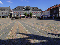 Marktplatz mit Kämmereigebäude, Goslar, Niedersachsen, Deutschland, Europa, UNESCO-Weltkulturerbe<br /> Marketplace and Kämmerei, Goslar, Lower Saxony,, Germany, Europe, UNESCO Heritage Site