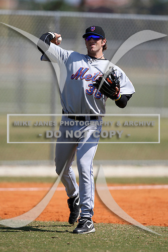 March 19, 2010:  Nicholas Giarraputo (38) of the New York Mets organization during Spring Training at the Roger Dean Stadium Complex in Jupiter, FL.  Photo By Mike Janes/Four Seam Images
