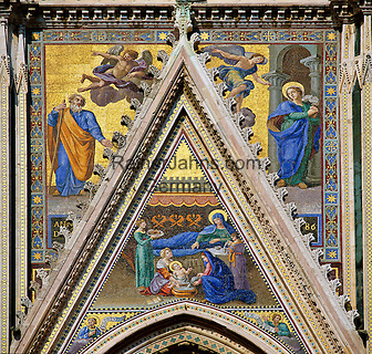 Italy, Umbria, Orvieto: facade of cathedral Santa Maria (built 13th/14th century) - side portal | Italien, Umbrien, Orvieto: Dom Santa Maria (erbaut 13./14. Jh.) - Seitenportal