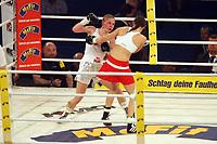 Mariel Faber (D, silber) gegen Kira Schuerer (rot, D)<br /> Vitali Klitschko vs. Juan Carlos Gomez, Hanns-Martin Schleyer Halle *** Local Caption *** Foto ist honorarpflichtig! zzgl. gesetzl. MwSt. Auf Anfrage in hoeherer Qualitaet/Aufloesung. Belegexemplar an: Marc Schueler, Am Ziegelfalltor 4, 64625 Bensheim, Tel. +49 (0) 151 11 65 49 88, www.gameday-mediaservices.de. Email: marc.schueler@gameday-mediaservices.de, Bankverbindung: Volksbank Bergstrasse, Kto.: 151297, BLZ: 50960101
