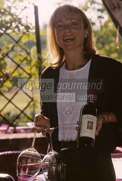 "Europe/Italie/Emilie-Romagne/Castel Guelfo : Monica Raviasi maître-d'hôtel de la ""Locanda Solarola"""
