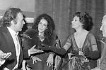 SOFIA LOREN CON RICHARD BURTON E LIZ TAYLOR - STUDI CINEMATOGRAFICI DELLA DEAR ROMA 1972