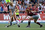 GER - Mannheim, Germany, June 04: During the Final4 semi-final Damen hockey match between Muenchner SC (red) and Rot-Weiss Koeln(white) on June 4, 2016 at Mannheimer HC in Mannheim, Germany. Final score 0-1 (HT 0-0). (Photo by Dirk Markgraf / www.265-images.com) *** Local caption *** Hannah Gablac #4 of Rot-Weiss Koeln, Nina Hasselmann #6 of Muenchner SC