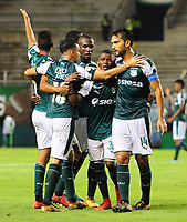 PALMIRA - COLOMBIA - 14 - 02 - 2018: Deiber Caicedo ( 2 Der.), jugador de Deportivo Cali celebra el gol anotado a Boyaca Chico F. C., durante partido de la fecha 3 por la liga Aguila I 2018, jugado en el estadio Deportivo Cali (Palmaseca) en la ciudad de Palmira. / Deiber Caicedo (2 R), player of Deportivo Cali celebrates a scored goal to Boyaca Chico F. C., during a match of the 3rd date for the Liga Aguila I 2018, at the Deportivo Cali (Palmaseca) stadium in Palmira city. Photo: VizzorImage  / Nelson Rios / Cont.