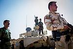 Irak - Suedlich von Kirkuk. Die Front zwischen Peschmerga Kaempfern und ISIS Milizen ist schwerstens bewaffnet, Scharfschuetzen,  <br /> <br /> Engl.: Asia, Iraq, south of Kirkuk, conflict area, front, snipers, weapons, June 2014 <br /> <br /> || Seit Tagen wird hier gekaempft mit vielen Verlusten auf beiden Seiten. ISIS Kaempfer liegen zwischen 1-3km von den Peschmergas entfernt, beide haben Scharfschuetzen in Stellung gebracht.