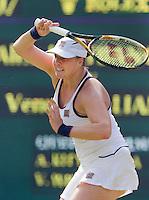 25-06-10, Tennis, England, Wimbledon, Alisa Kleybanova