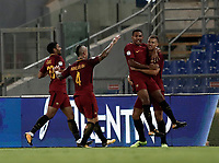 Calcio, Serie A: Roma, stadio Olimpico, 26 agosto, 2017.<br /> Roma's Edin Dzeko (r) celebrates with his teammates after scoring during the Italian Serie A football match between Roma and Inter at Rome's Olympic stadium, AUGUST 26, 2017.<br /> UPDATE IMAGES PRESS/Isabella Bonotto