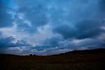 Europa, DEU, Deutschland, Hessen, Schlitzer Land, Agrarlandschaft, Wolkenstimmung, Kategorien und Themen, Natur, Umwelt, Landschaft, Landschaftsfotos, Landschaftsfotografie, Landschaftsfoto, Wetter, Wetterelemente, Wetterlage, Wetterkunde, Witterung, Witterungsbedingungen, Wettererscheinungen, Meteorologie, Wettervorhersage<br /> <br /> [Fuer die Nutzung gelten die jeweils gueltigen Allgemeinen Liefer-und Geschaeftsbedingungen. Nutzung nur gegen Verwendungsmeldung und Nachweis. Download der AGB unter http://www.image-box.com oder werden auf Anfrage zugesendet. Freigabe ist vorher erforderlich. Jede Nutzung des Fotos ist honorarpflichtig gemaess derzeit gueltiger MFM Liste - Kontakt, Uwe Schmid-Fotografie, Duisburg, Tel. (+49).2065.677997, ..archiv@image-box.com, www.image-box.com]