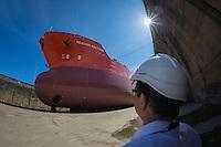 France, Bretagne, (29), Finistère, Brest:  Damen Shiprepair Brest, chantier de réparation bien établi doté d'installations modernes. Le chantier dispose de trois cales sèches, dont une des plus grandes d'Europe. Cela permet au chantier d'accueillir à peu près n'importe quel bateau