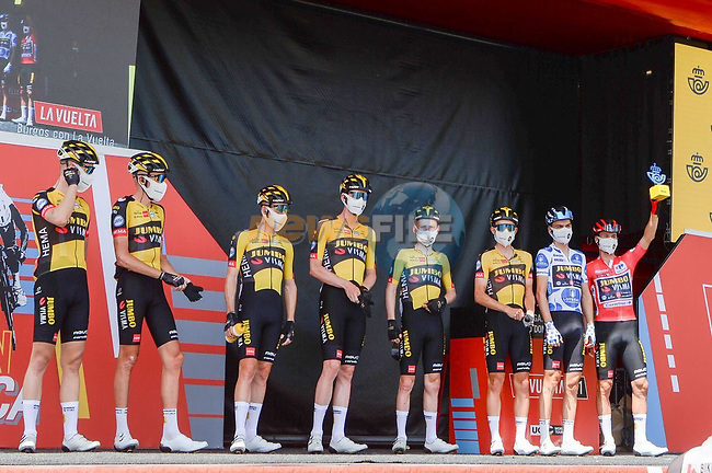 Jumbo-Visma best team after yesterday's stage at sign on before Stage 2 of La Vuelta d'Espana 2021, running 166.7km from Caleruega. VIII Centenario de Santo Domingo de Guzmán to Burgos. Gamonal, Spain. 15th August 2021.    <br /> Picture: Cxcling | Cyclefile<br /> <br /> All photos usage must carry mandatory copyright credit (© Cyclefile | Cxcling)
