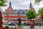Deutschland, Freistaat Thueringen, Arnstadt (auch Bachstadt Arnstadt bezeichnet): Marktplatz und Rathaus | Germany, Free State of Thuringia, Arnstadt: market square and townhall