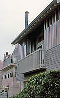 Koning Eizenberg: 2226 Townhouses.  Photo '04.