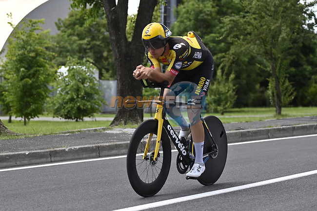 Edoardo Affini (ITA) Jumbo-Visma recons the course before Stage 21 of the 2021 Giro d'Italia, an individual time trial running 30.3km from Senago to Milan, Italy. 30th May 2021.  <br /> Picture: LaPresse/Fabio Ferrari | Cyclefile<br /> <br /> All photos usage must carry mandatory copyright credit (© Cyclefile | LaPresse/Fabio Ferrari)
