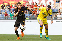 Roma s Stephan El Shaarawy, left, is chased by Chievo Verona s Alessandro Gamberini during the Italian Serie A football match between Roma and Chievo Verona at Rome's Olympic stadium, 28 April 2018.<br /> UPDATE IMAGES PRESS/Riccardo De Luca