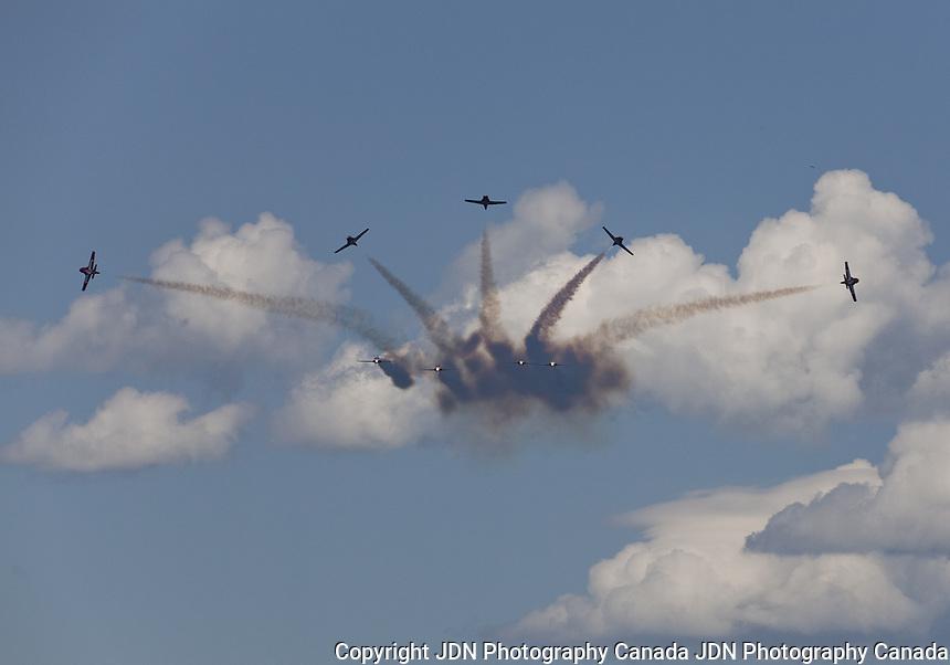 Snowbirds - Canada Day celebrations - Airshow