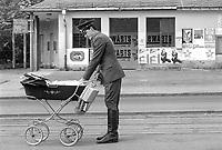 - Soviet army soldiers in Riesa town (German Democratic Republic), May 1991<br /> <br /> - militari sovietici di stanza nella citta' di Riesa (Repubblica Democratica Tedesca), maggio 1991