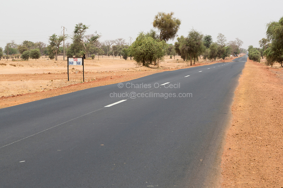 Senegal.  Dakar-Touba Highway, near Diourbel (Djourbel).