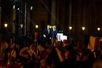 EMMANUEL MACRON PRESIDENT DE LA REPUBLIQUE ET BRIGITTE MACRON LE 7 MAI 2017 A LA PYRAMIDE DU LOUVRE A PARIS