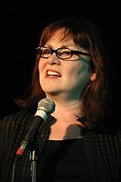 May 10, 2004, Montreal, CANADA<br /> Mary Walsh (This Hour Has 22 Minutes) co-host the 40th Anniversary Gala of Playwright Workshop, May 10 2004 in Montreal<br /> Photo by Pierre Roussel / Images Distribution.la comedienne Mary Walsh