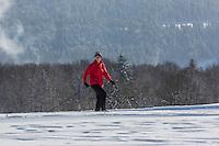 Europe/France/Franche-Comté/25/Doubs/env de Pontarlier: Ski de fond au sommet du Larmont // France, Doubs, Near Pontarlier:Cross-country skiing at the top of Larmont<br /> Auto N°: 2013-106 et Auto N°: 2013-107