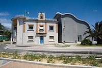 Pisa, canale dei Navicelli,la sede della Navicelli spa, ed il centro ricerca Onda 2008 dell'architetto Roberto Pasqualetto