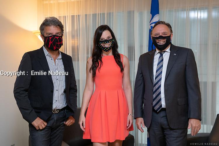 Le cabinet Legault durant la crise du COVID 19<br /> <br /> Masque pour sourds-muets, 17 aout 2020