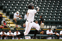 Bradenton Marauders outfielder Josh Bell (17) at bat during a game against the Palm Beach Cardinals on April 8, 2014 at McKechnie Field in Bradenton, Florida.  Bradenton defeated Palm Beach 4-3.  (Mike Janes/Four Seam Images)