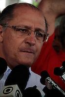 SAO PAULO, SP, 10 DE FEVEREIRO 2012 - ENTREGA TRECHO CICLOVIA - O governador de Sao Paulo Geraldo Alckmin durante entrega de um novo trecho de 5 km da ciclovia Rio Pinheiros, entre as estações Vila Olímpia e Cidade Universitária, da CPTM (Companhia Paulista de Trens Metropolitanos). Implantada paralela à Linha 9-Esmeralda (Osasco–Grajaú), a ciclovia que tinha 14 quilômetros será estendida da av. Miguel Yunes (localizada entre as estações Jurubatuba e Autódromo) até a ponte Cidade Universitária, totalizando 19 km.Na ocasião, também serão entregues oficialmente os acessos de Santo Amaro e da ponte Cidade universitária e três pontos de apoio para ciclistas: Santo Amaro, Cidade Jardim e Cidade Universitária. Na manha desta sexta-feira, 10, na estação Vila Olimpia, na região sul da capital paulista. (FOTO: VANESSA CARVALHO - NEWS FREE).