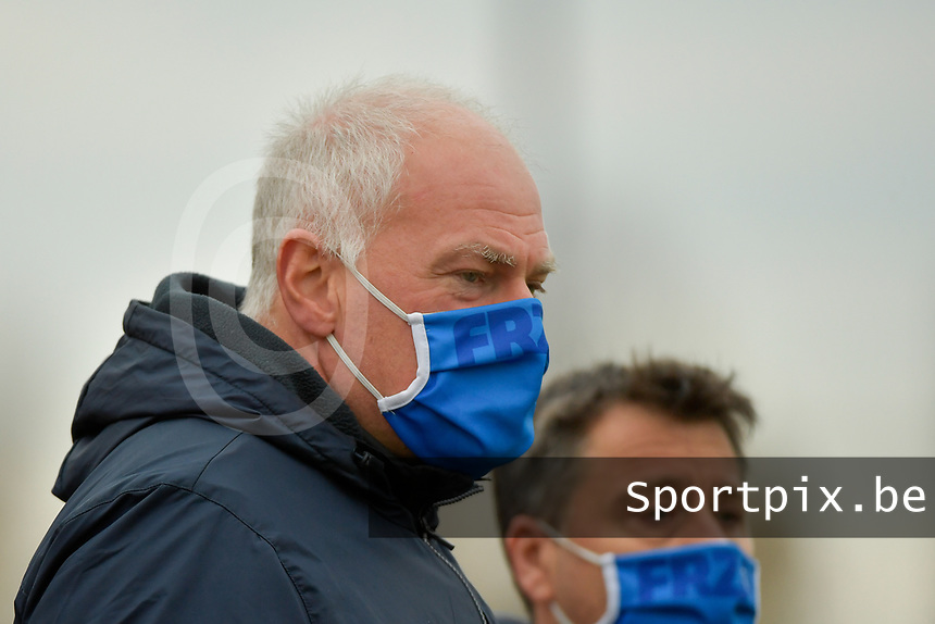 Genk's head coach Guido Brepoels pictured during a female soccer game between SV Zulte - Waregem and KRC Genk on the 8 th matchday of the 2020 - 2021 season of Belgian Scooore Women s SuperLeague , saturday 21 th of November 2020  in Zulte , Belgium . PHOTO SPORTPIX.BE | SPP | DIRK VUYLSTEKE