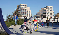 Nederland Amsterdam 2020. Op het Zeeburgereiland in Oost is het grootste betonnen skatepark van Nederland geopend. Het idee voor een skatepark op deze plek kwam van Stan Postmus van Skatemates. In 2015 kreeg het voorstel groen licht voor ontwikkeling van het gemeentebestuur. Het Deense bureau Glifberg+Lykke heeft de baan ontworpen. Foto mag niet in negatieve context worden gepubliceerd. Foto ANP / HH / Berlinda van Dam