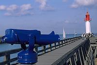 Europe/France/Normandie/Basse-Normandie/14/Calvados/Trouville: Le port - La jetée et le phare
