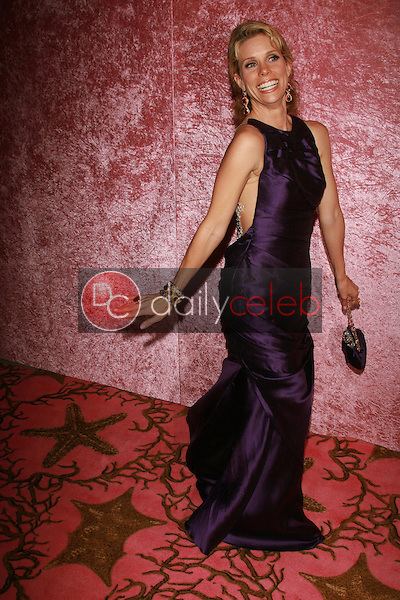 Cheryl Hines<br />at the 2006 HBO Emmy After Party. Pacific Design Center, West Hollywood, CA. 08-27-06<br />Dave Edwards/DailyCeleb.com 818-249-4998