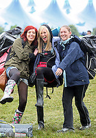 08/07/'10 Jen Woodword, Hayleigh Bradley and Lucy Thompson from Manchaster pictured arriving at Punchestown, Co. Kildare this evening for the start of the Oxegen Festival 2010...Picture Colin Keegan, Collins, Dublin