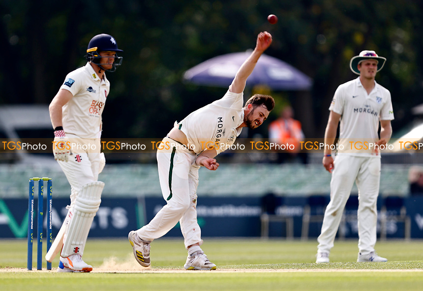 Ed Barnard bowls for Worcestershire during Kent CCC vs Worcestershire CCC, LV Insurance County Championship Division 3 Cricket at The Spitfire Ground on 6th September 2021