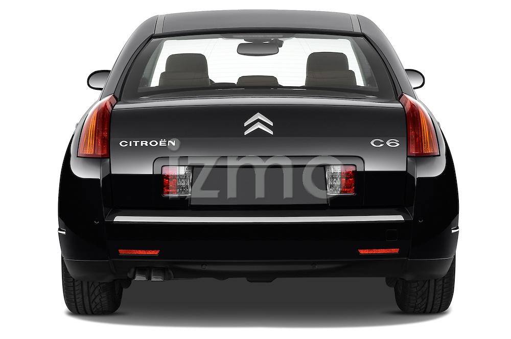 Straight rear view of a 2005 - 2012 Citroen C6 Exclusive Sedan.