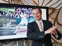 10-01-13,Tennis,  Schipluiden, Restaurant Zwetheul, Persconferentie 40e ABNAMROWTT, Toernooi Directeur Richard Krajicek voor het TV beeld met hem in actie als ballenjongen.