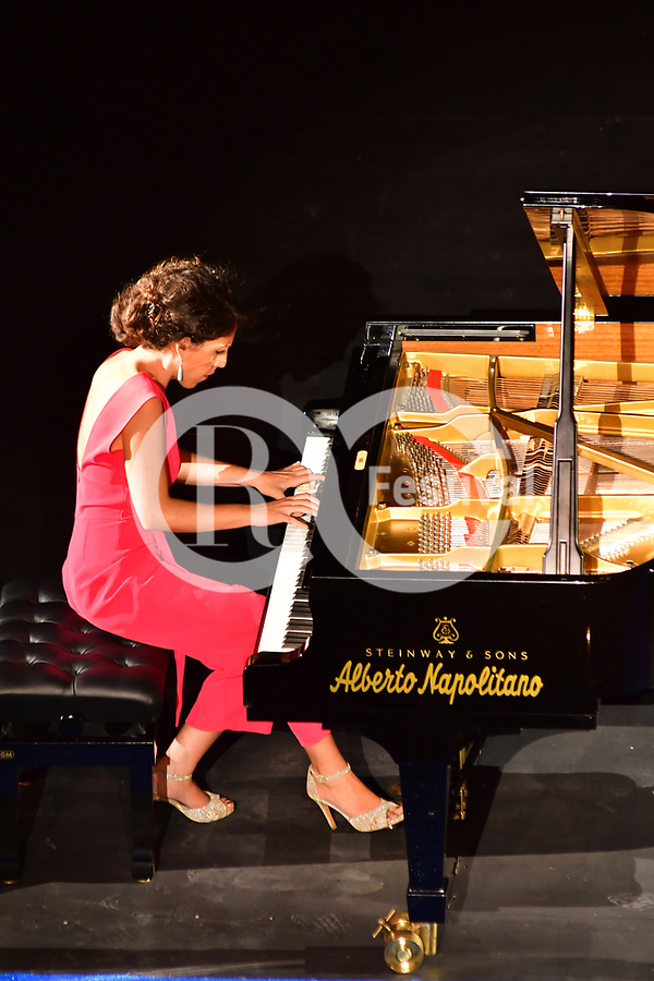 Sul Belvedere di Villa Rufolo, <br /> Beatrice Rana e Massimo Spada, pianoforte<br /> Musiche di Chopin, Stravinskij