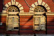 An old colonial building stands in the New Market area of Kolkata, India, on Friday, May 26, 2017. Photographer: Sanjit Das