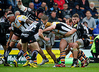 Photo: Richard Lane/Richard Lane Photography. Exeter Chiefs v Wasps. Aviva Premiership Semi Final. 21/05/2016.  Wasps' Carlo Festuccia drives for the first try.