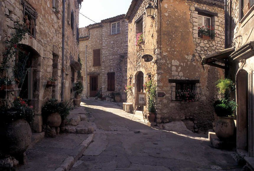 France, Tourrettes-sur-Loup, Cote d' Azur, Provence, Alpes-Maritimes, Europe, Buildings along the narrow streets of the hilltop village of Tourrettes-s-Loup.