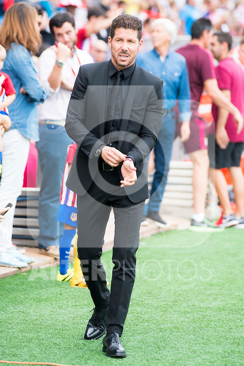 Atletico de Madrid's coach Diego Pablo Simeone during a match of La Liga Santander at Vicente Calderon Stadium in Madrid. September 25, Spain. 2016. (ALTERPHOTOS/BorjaB.Hojas)