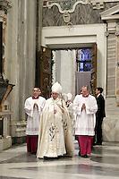 Papa Francesco apre la Porta Santa della Basilica di Santa Maria Maggiore a Roma, 1 January 2016.<br /> Pope Francis opens the Holy Door of St. Mary Major Basilica in Rome, 1 January 2016.<br /> UPDATE IMAGES PRESS/Giagnori De Luca<br /> <br /> STRICTLY ONLY FOR EDITORIAL USE