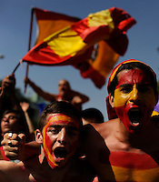 Spanish fans react during the World Cup final between Spain and the Netherlands in Madrid on Sunday July 11, 2010. (Photo Ana Laura Castro)