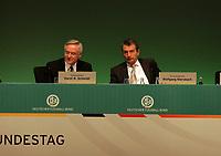 Die neuen Mitglieder Horst R. Schmidt (Schatzmeister) und Wolfgang Niersbach (DFB-Generalsekretär) nehmen ihre Plätze ein<br /> 39. Ordentlicher DFB-Bundestag in der Rheingoldhalle<br /> *** Local Caption *** Foto ist honorarpflichtig! zzgl. gesetzl. MwSt. Es gelten ausschließlich unsere unter <br /> <br /> Auf Anfrage in hoeherer Qualitaet/Aufloesung. Belegexemplar an: Marc Schueler, Am Ziegelfalltor 4, 64625 Bensheim, Tel. +49 (0) 6251 86 96 134, www.gameday-mediaservices.de. Email: marc.schueler@gameday-mediaservices.de, Bankverbindung: Volksbank Bergstrasse, Kto.: 151297, BLZ: 50960101