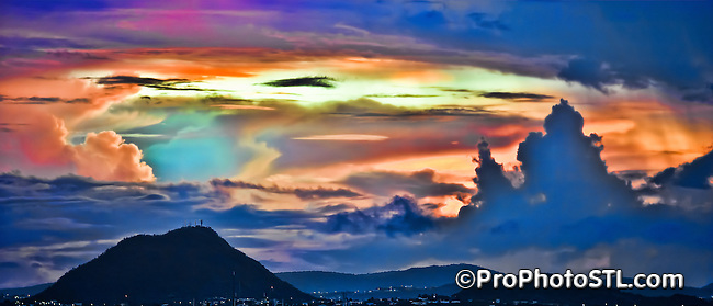 Hooiberg volcano in Aruba at dawn
