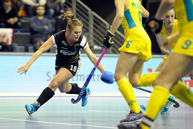 Berlin, Germany, February 09: During the FIH Indoor Hockey World Cup Pool B group match between Germany (black) and Australia (yellow) on February 9, 2018 at Max-Schmeling-Halle in Berlin, Germany. Final score 2-2. (Photo by Dirk Markgraf / www.265-images.com) *** Local caption *** Lisa ALTENBURG #18 of Germany