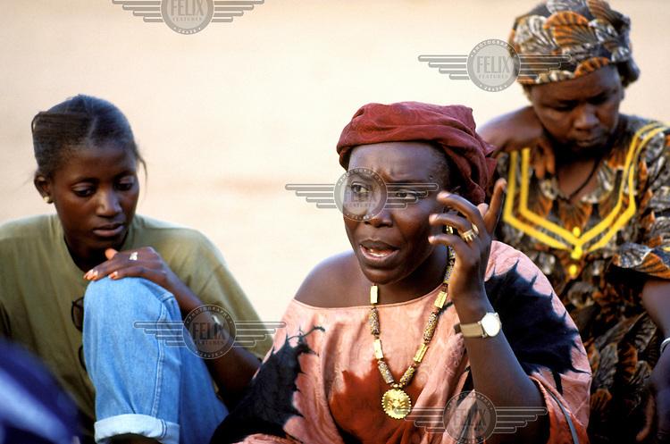 ©Jeremy Hartley/Panos Pictures..Senegal. Fulani women's village meeting.