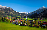 Deutschland, Bayern, Oberbayern, Allgaeu, Kurort Bad Hindelang: mit Breitenberg (1.887 m) | Germany, Bavaria, Upper Bavaria, Allgaeu, resort Bad Hindelang, Breitenberg mountain