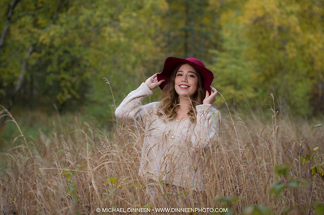 Outdoor fall senior photo shoot with Ally Dansby of Houston High.